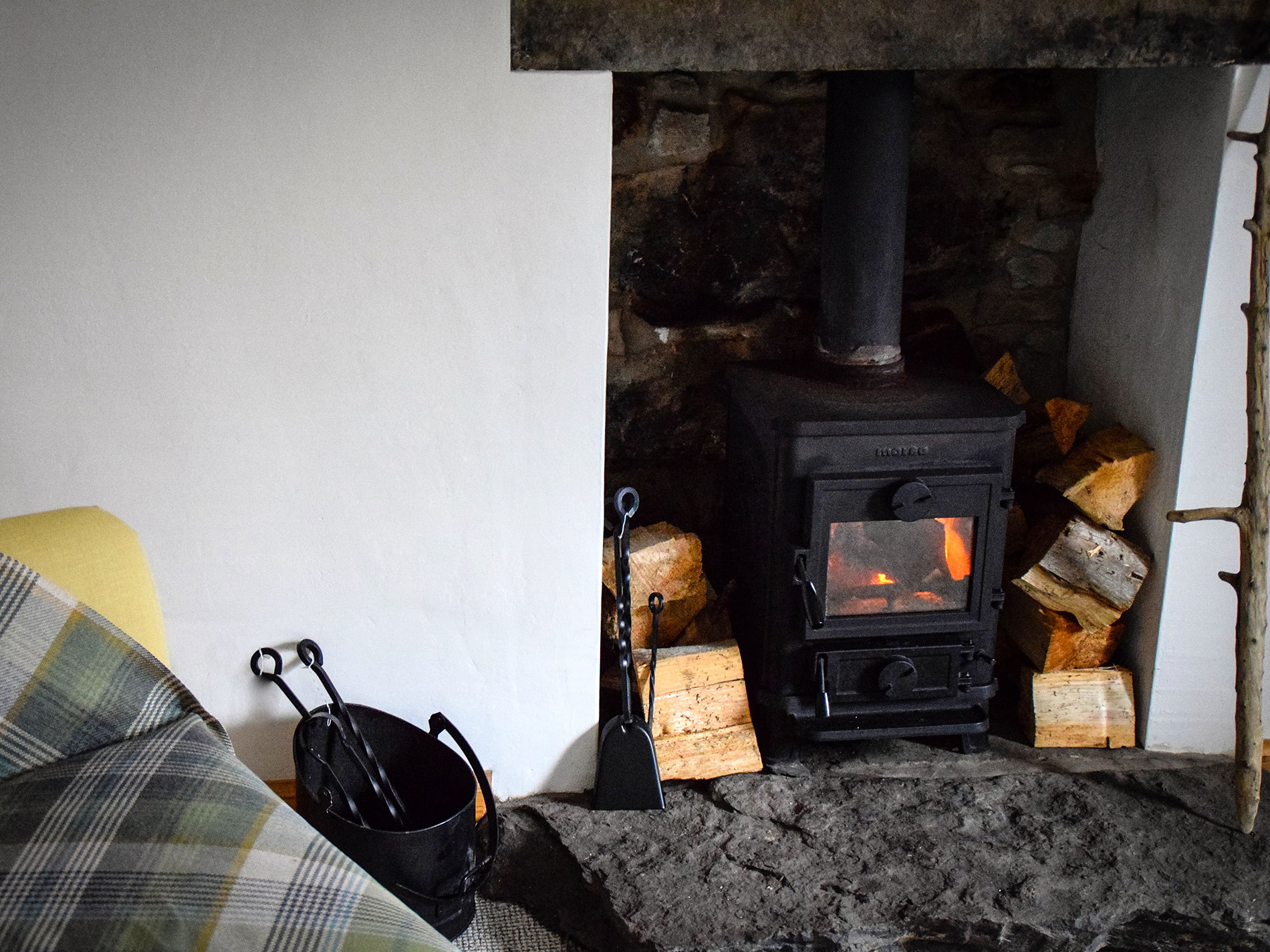 Self Catering Cottage with Wood Burning Stove