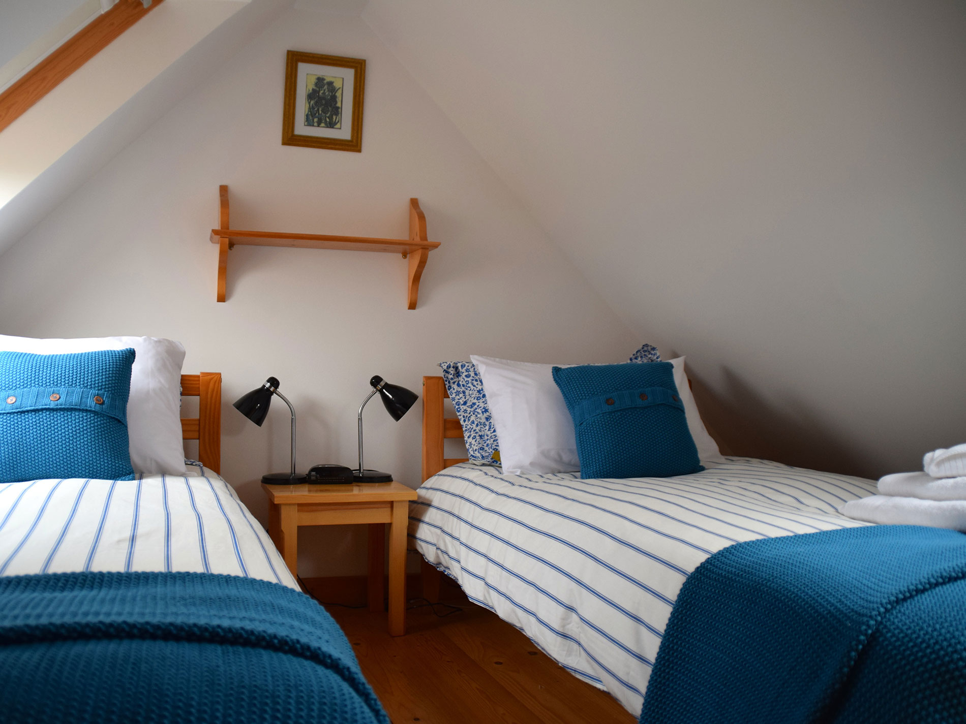 Curlews Nest Holiday Cottage Twin Bedroom